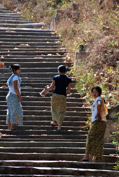 inle_20120307_073