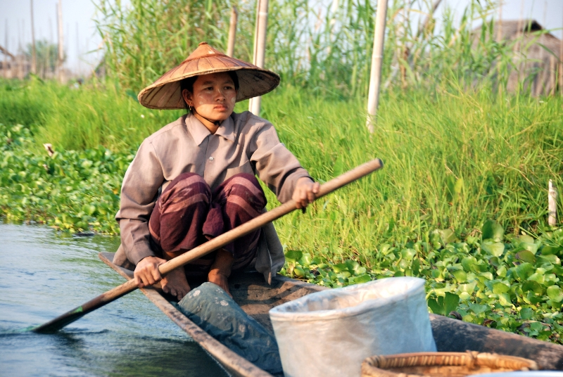inle_20120309_580